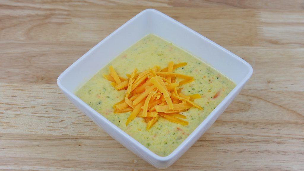 Sopa de Brócolis com Cheddar