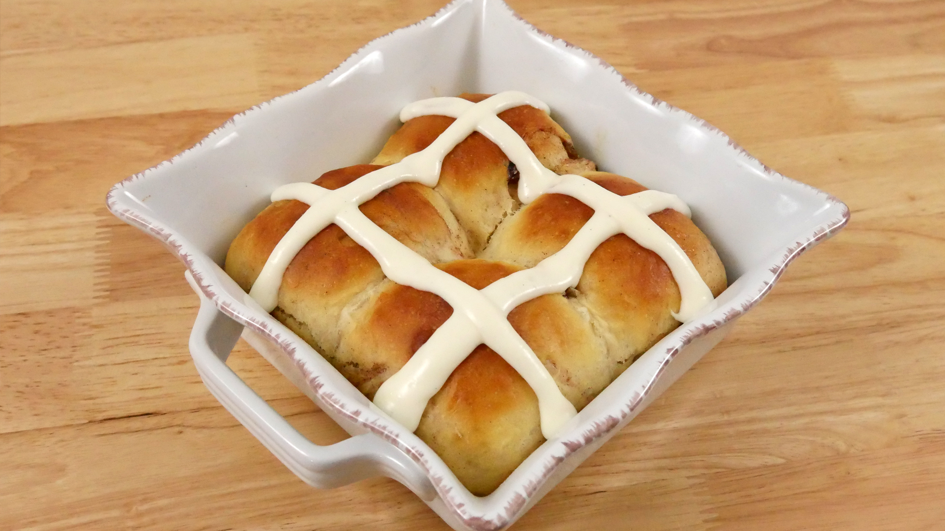 Pão Doce de Páscoa (Hot Cross Buns)