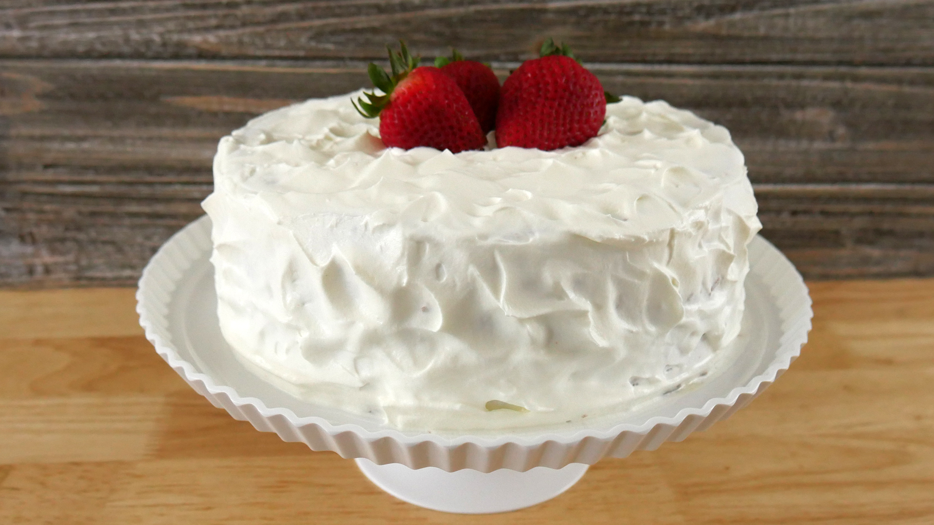 Bolo Gelado de Leite (Tres Leches Cake)