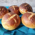 Pão de Alho com Queijo (Garlic Cheese Pull Apart Bread)