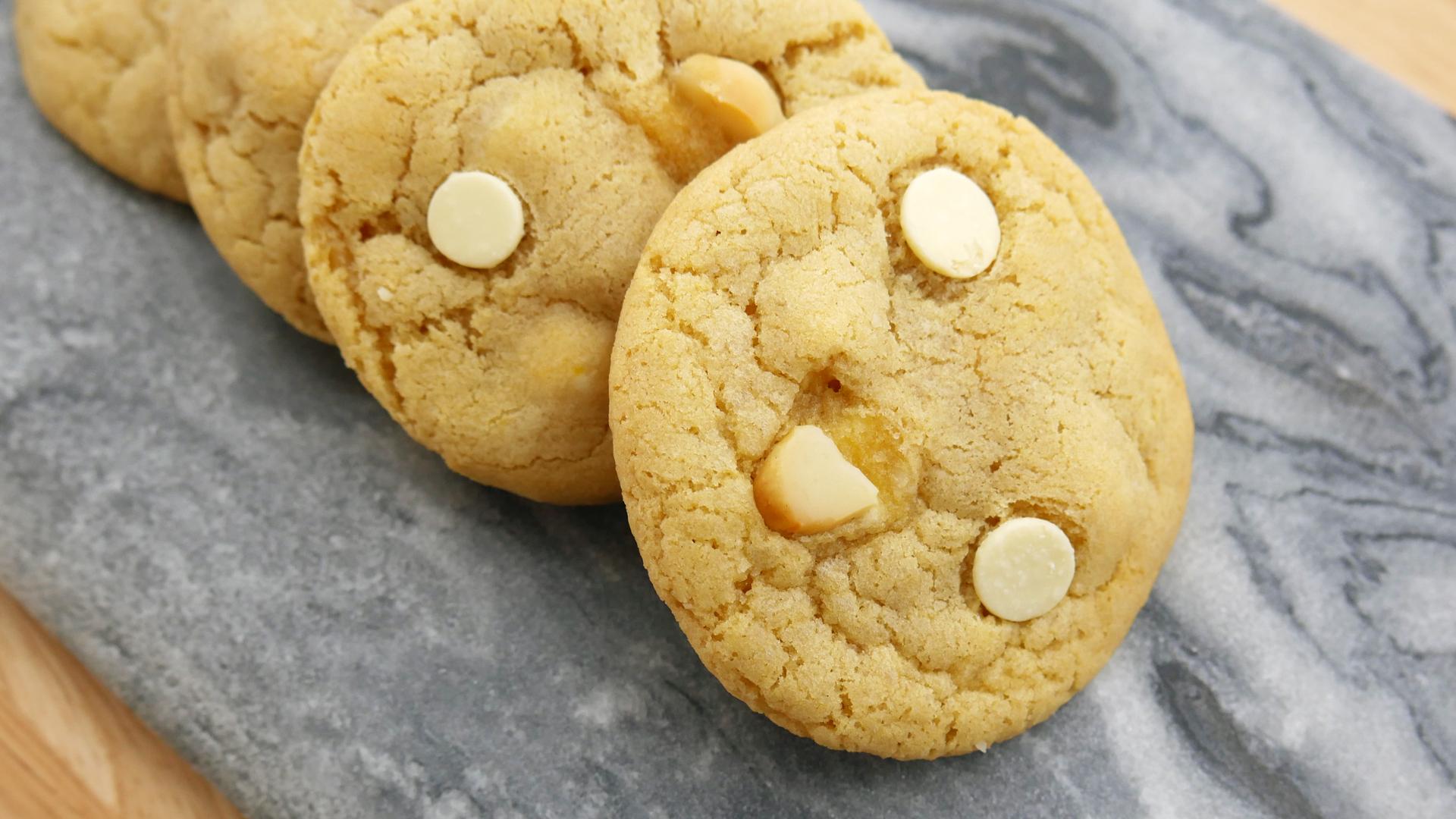 Cookies de Chocolate Branco e Macadâmia