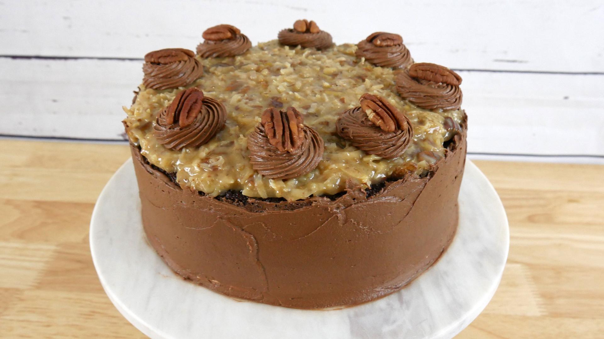 Bolo de Chocolate Alemão (German Chocolate Cake)