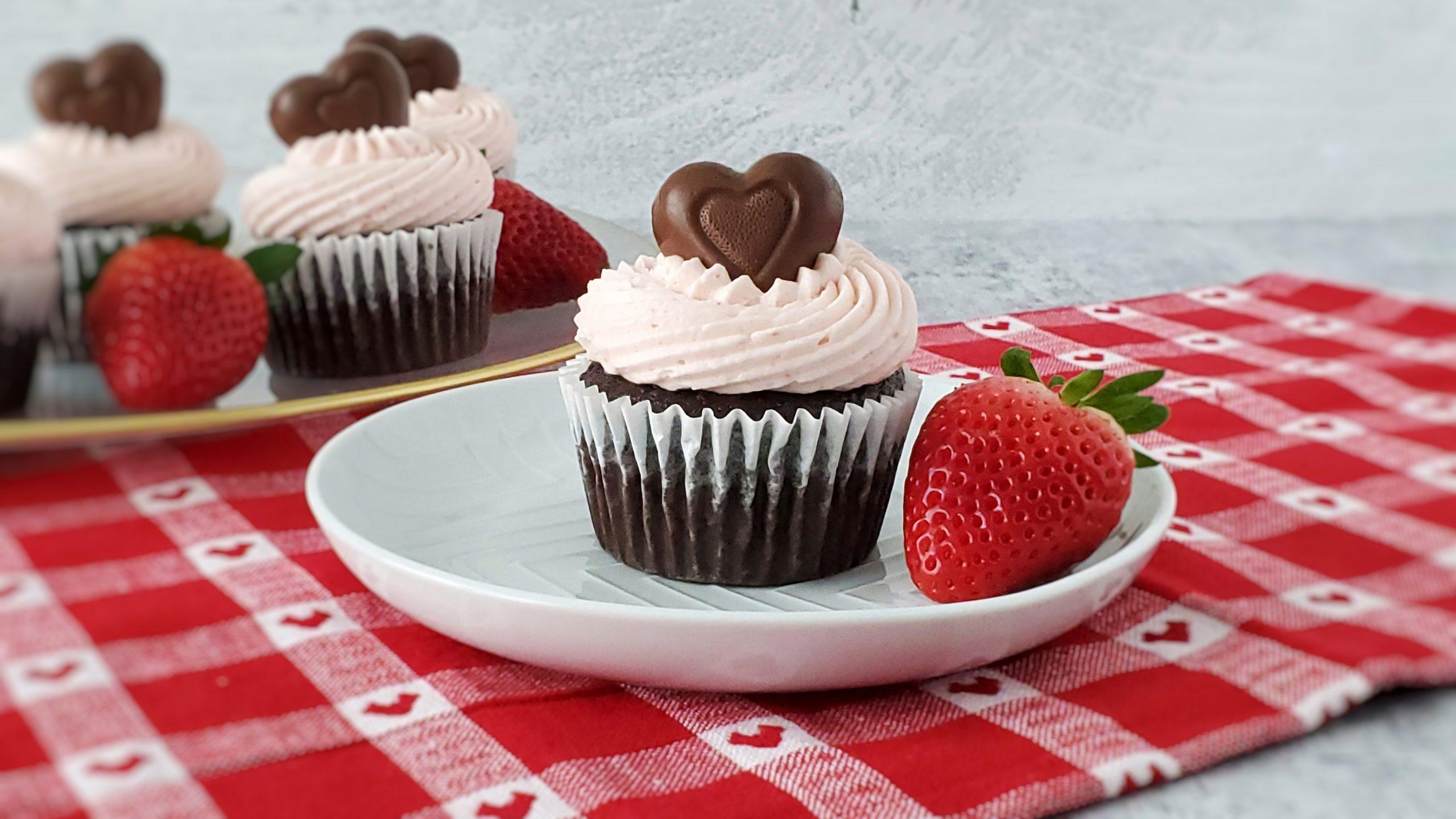 Cupcakes de Chocolate com Morango